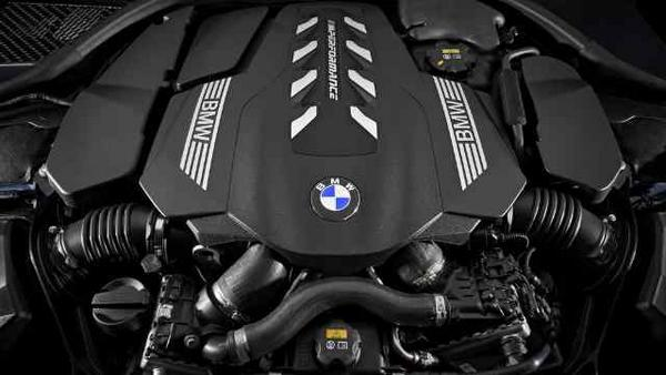 bmw-8-series-coupe-2019-7